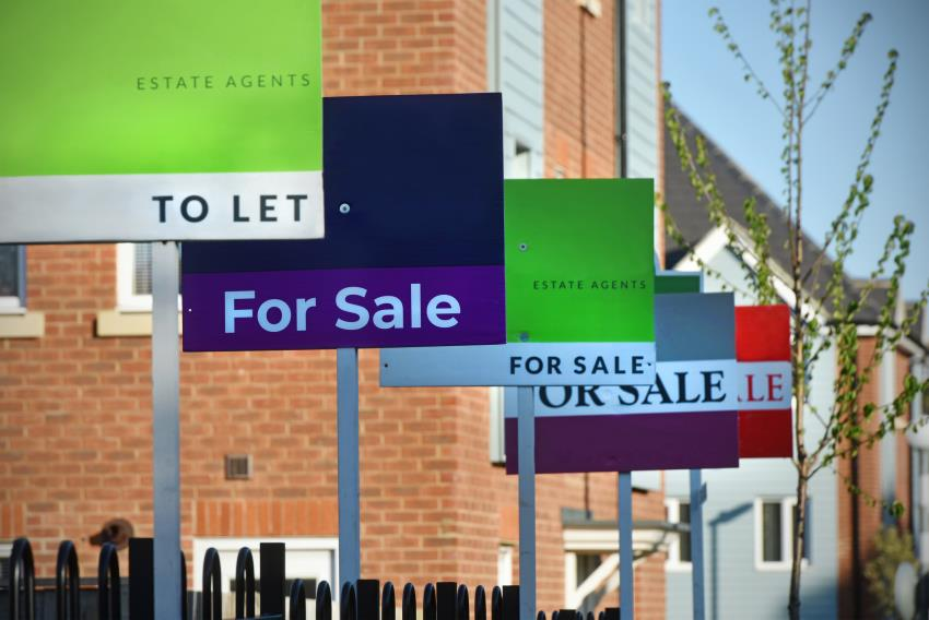 4 ways to get on the property ladder faster